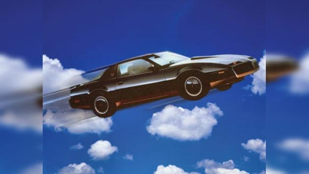 Un joven vuela con su coche y sale vivo tras chocar con un puente