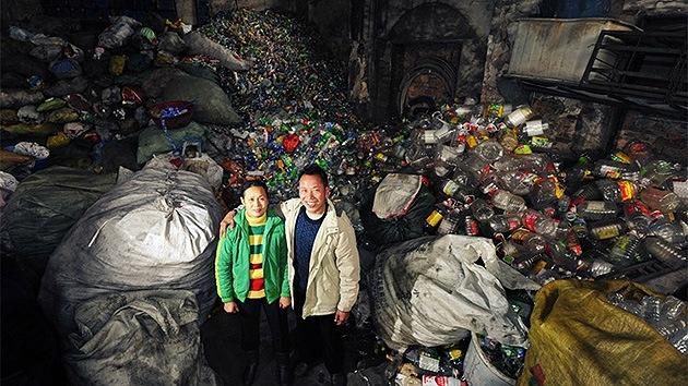 Fotos: Una pareja china recoge plástico diez años para pagar la universidad de sus hijos