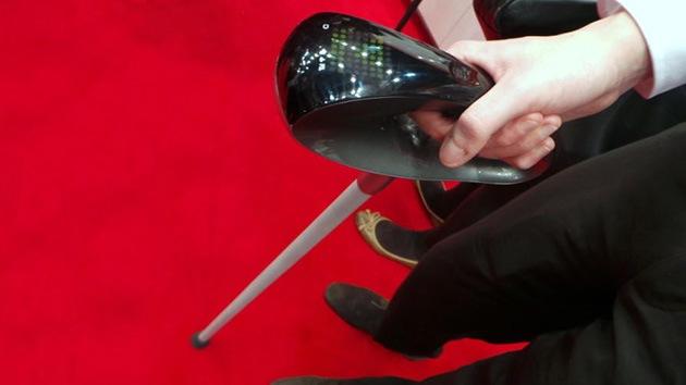 La ciencia le tiende la mano a los ancianos: crean un bastón inteligente para guiarlos