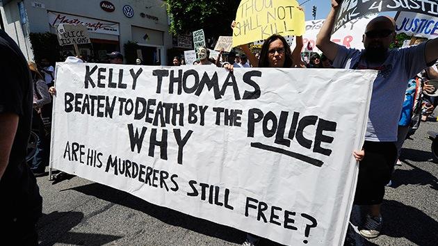 Los policías que asesinaron a un indigente en EE. UU. podrían ser destituidos