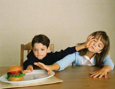 Hace 111 años nació la primera hamburguesa
