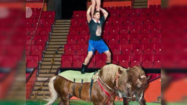 Tres acróbatas rusos y dos caballos, la fórmula del nuevo Guinness