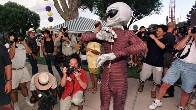 """Jefe del SETI: """"Se podría encontrar vida extraterrestre, pero los políticos se oponen"""""""