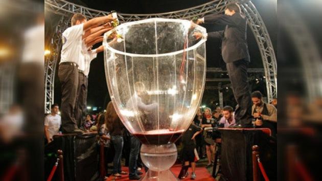 El Líbano bate el Récord Guinness de la copa de vino más grande del mundo