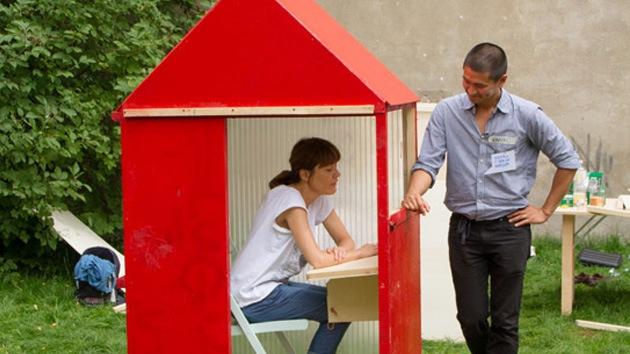 VIDEO: La casa más pequeña del mundo, 300 dólares por un metro cuadrado