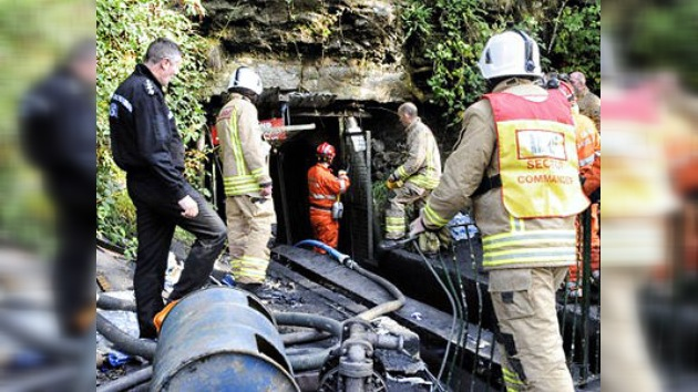Hallan muertos a 3 de los 4 mineros atrapados bajo tierra en Gales