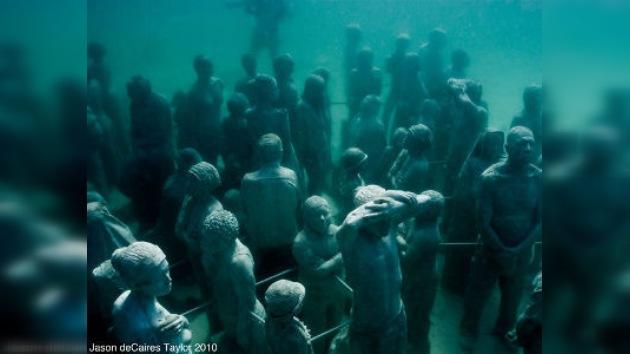 Museo de esculturas submarinas: un método para salvar el ecosistema marino
