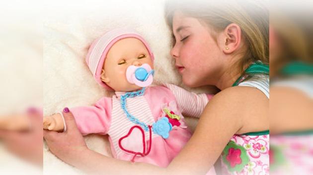 EE. UU. 'azota' al Bebé Glotón, el primer muñeco que mama