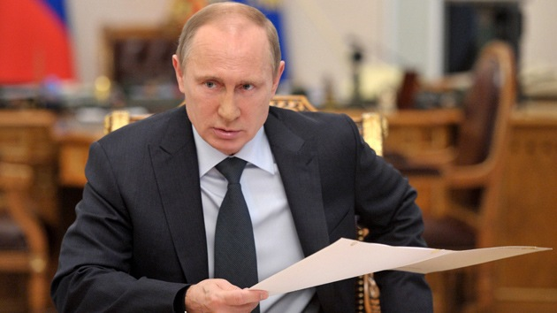 """Putin: """"Suministrar armas a organizaciones ilegales socava la seguridad mundial"""""""