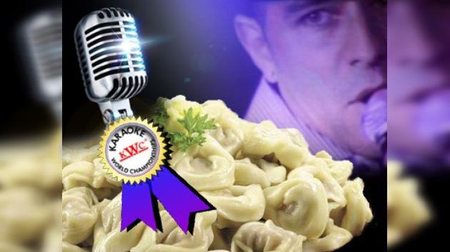 Un estadounidense ganó un millón de pelmenis en el campeonato de karaoke