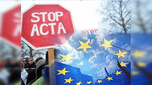 La Unión Europea suspende la ratificación del polémico ACTA