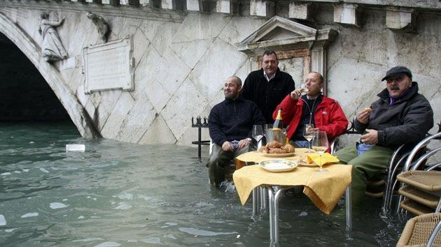 Ciudades costeras se hunden 10 veces más rápido que el incremento del nivel del agua