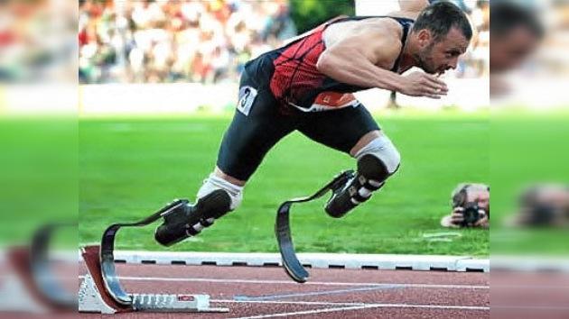 'Blade Runner' Pistorius, primer atleta sin piernas en el Mundial de Atletismo