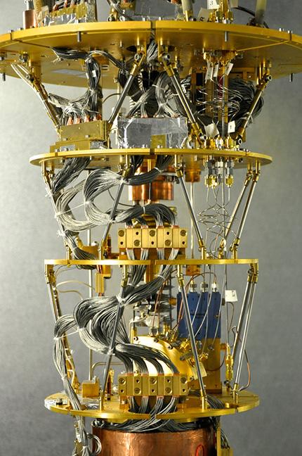 D-Wave 2x, el nuevo ordenador cuántico de la NASA y Google B412b17215589546fcb43661f4f0c813