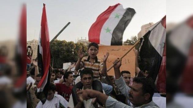 Siria libera a medio millar de presos detenidos durante las protestas