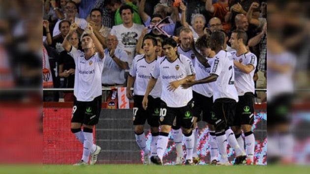 El Valencia mantiene el liderato, mientras que el Madrid no da pie con bola