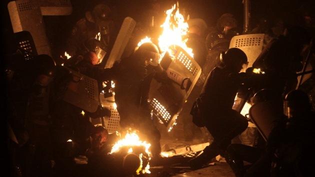 """Policía de Ucrania: """"Los manifestantes de Maidán preparan napalm"""""""