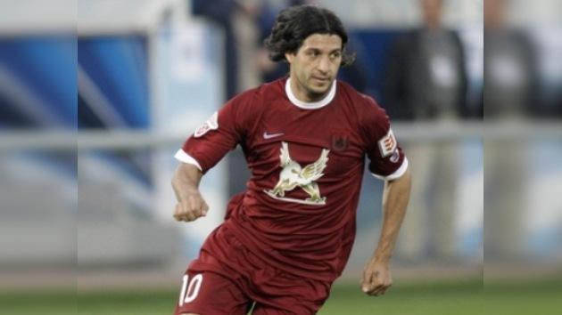 Alejandro Domínguez es reconocido en Rusia como el futbolista del año