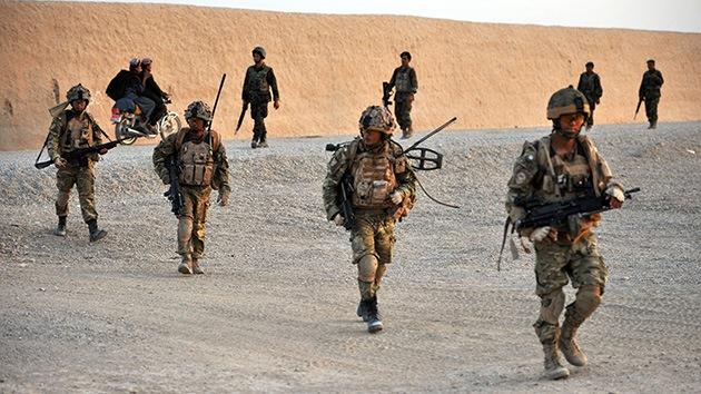 Juzgan a soldados británicos por racismo y actos indecentes contra niños en Afganistán