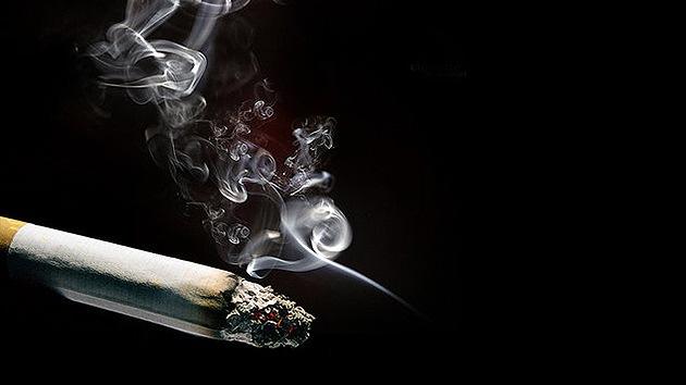 Un millón de dólares para quien averigüe qué pasa con el humo de tabaco