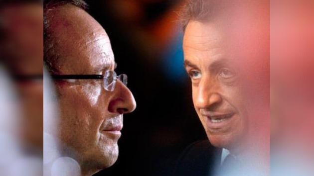 El socialista Francois Hollande gana las primarias y le disputará la presidencia a Sarkozy