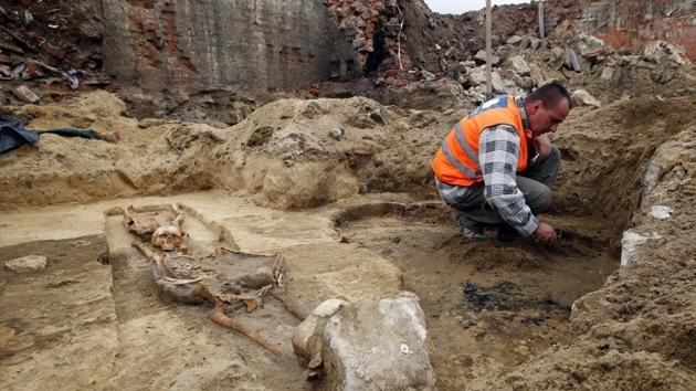 Los arqueólogos desvelan el misterio de un 'cementerio de vampiros' en Polonia