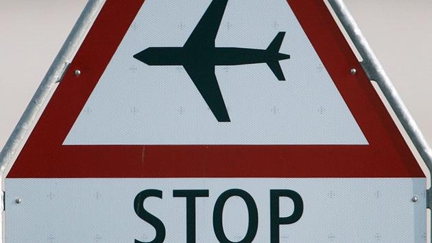 Por qué prohibir los vuelos desde África no protegería a EE.UU. del ébola