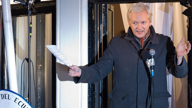 Reino Unido y Ecuador planean tratar el caso de Assange