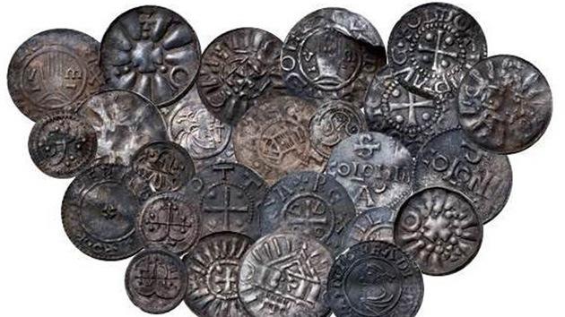 Primeras monedas de Dinamarca: un joven halla 'el tesoro' del rey Harald Bluetooth