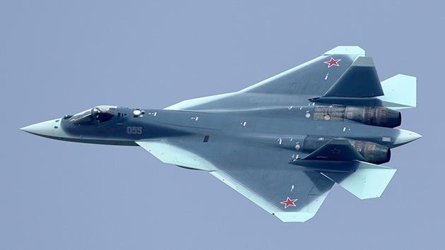 El caza furtivo ruso PAK-FA se viste de 'tiburón'