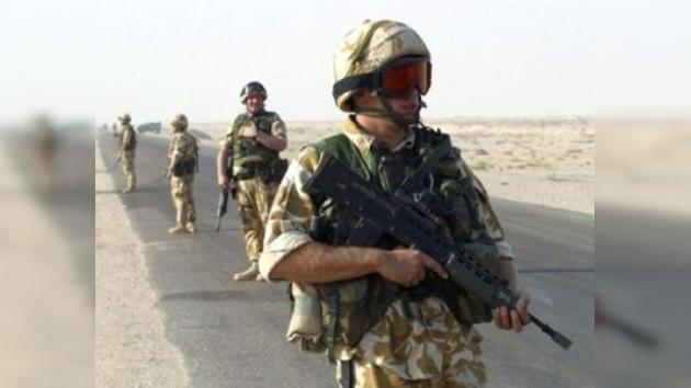Reino Unido planea enviar tropas a Libia para asesorar a los rebeldes