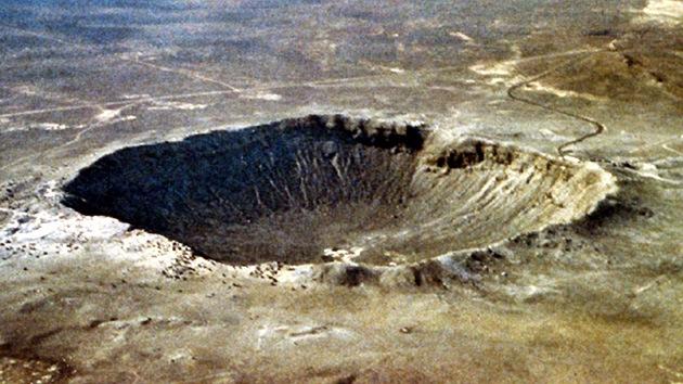 Un cráter misterioso en un lago de Utah asombra a los científicos