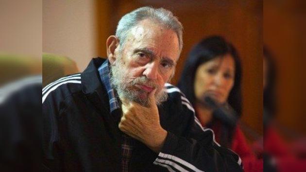 """Fidel Castro presenta su biografía: """"Tengo que aprovechar porque la memoria se gasta"""""""