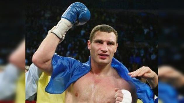 Vitali Klichkó conserva su título de campeón del mundo de los pesos pesados