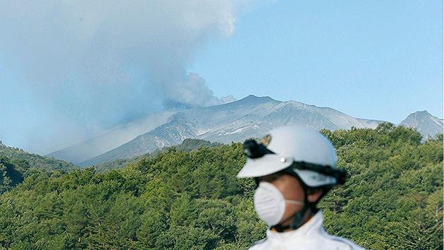 Videos, Fotos: Más de 30 muertos en Japón por la fuerte erupción del volcán Ontake