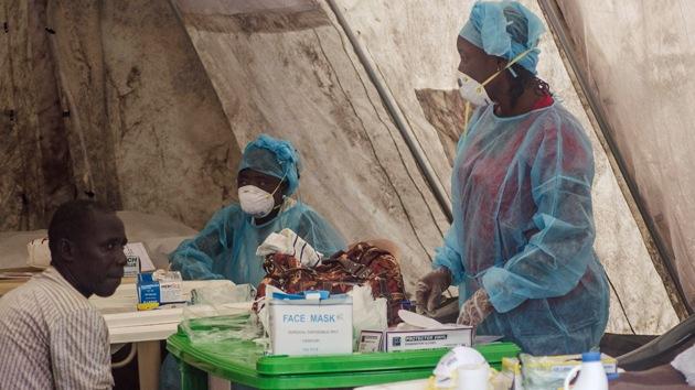 """Enfermera genera disturbios en Sierra Leona: """"El ébola fue inventado para ocultar el canibalismo"""""""