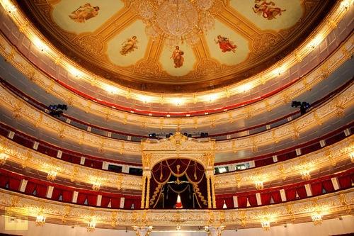 El reabierto Teatro Bolshoi desde adentro