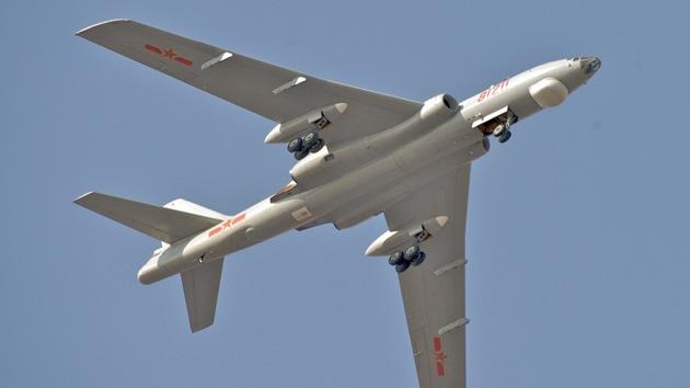 China 'amenaza' a EE.UU. y Japón con el bombardero estratégico H-6K