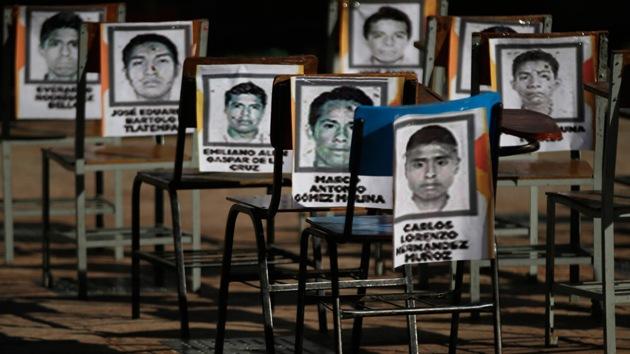 """Madre de un estudiante de Ayotzinapa: """"Versión de que fueron incinerados es otra mentira"""""""