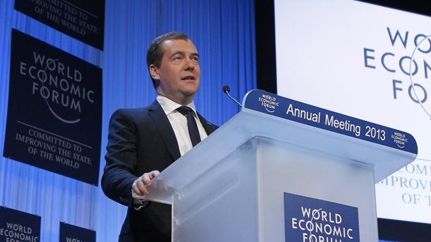 """Medvédev: """"El nivel actual de los precios del petróleo es casi óptimo"""""""