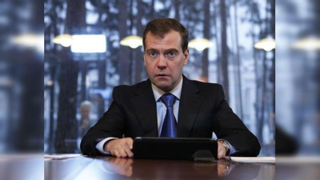 Medvédev recibe el informe sobre las infracciones en las elecciones