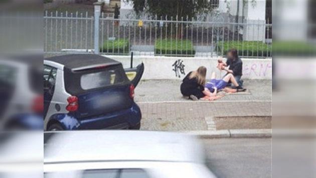 ¿Google Street View captó la imagen del parto de un bebé en plena calle?