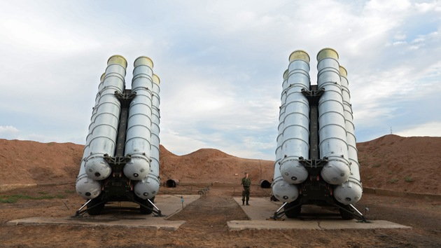 Medios: Rusia y China firman un contrato de compraventa de sistemas S-400