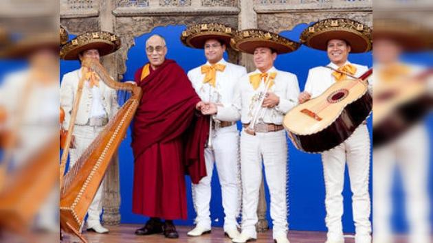 """El Dalai Lama exhorta en Latinoamérica a """"desmilitarizar el planeta"""""""