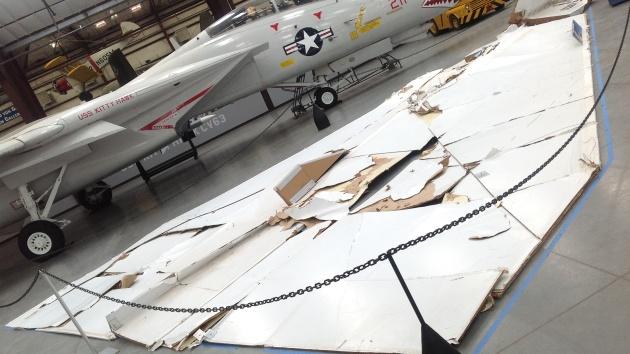 Video: Avión de papel más grande del mundo forma parte de una exposición en Arizona
