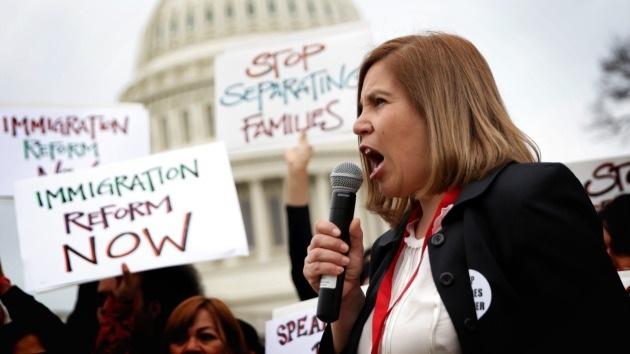 Los republicanos quieren destituir a Obama por su política de inmigración