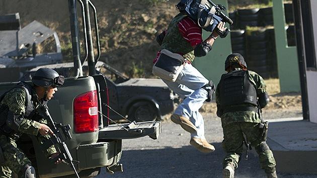 Reporteros de armas tomar: México enseña a sus periodistas a defenderse de los narcos