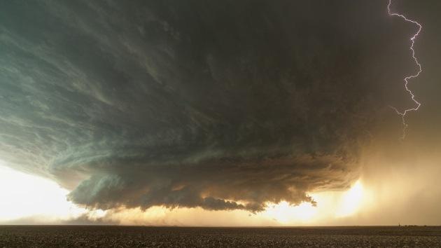 Video: La formación de una impresionante tormenta en todo su esplendor