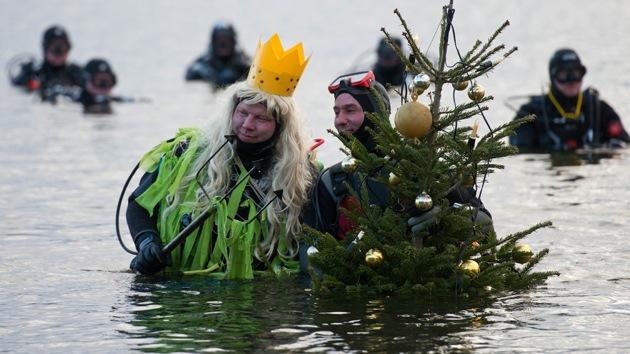Gélida inmersión de Año Nuevo para nadadores alemanes