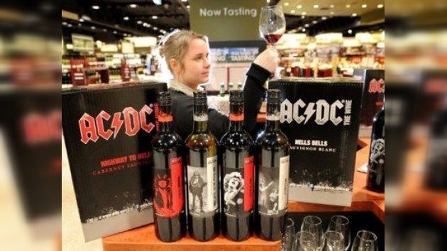 Del vinilo al vino: la mítica banda AC/DC da su nombre a una marca de caldos 'infernales'